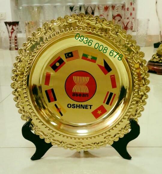 Xưởng bán đĩa đồng, cung cấp đĩa đồng, làm đĩa đồng viền gỗ in khắc logo
