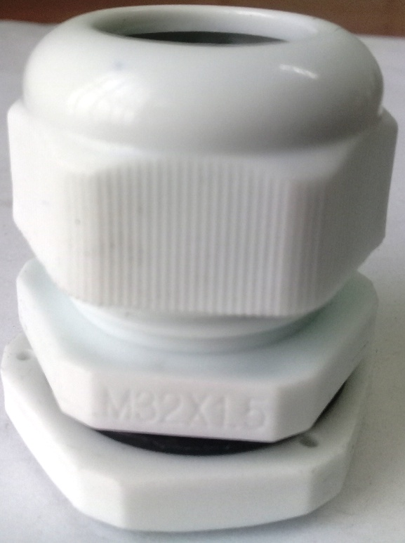 Xiết cáp nhựa M32x1.5, có ron cao su