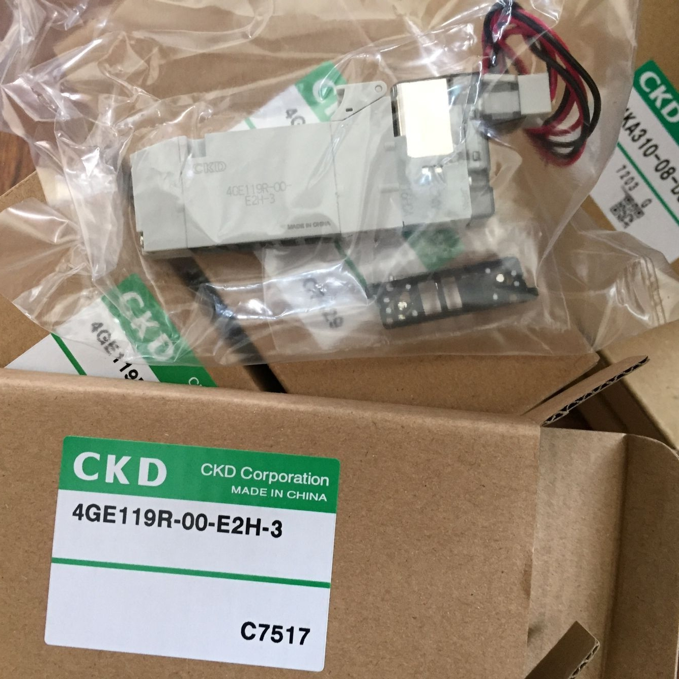 Van điện từ CKD 4GE119R-00-E2H-3