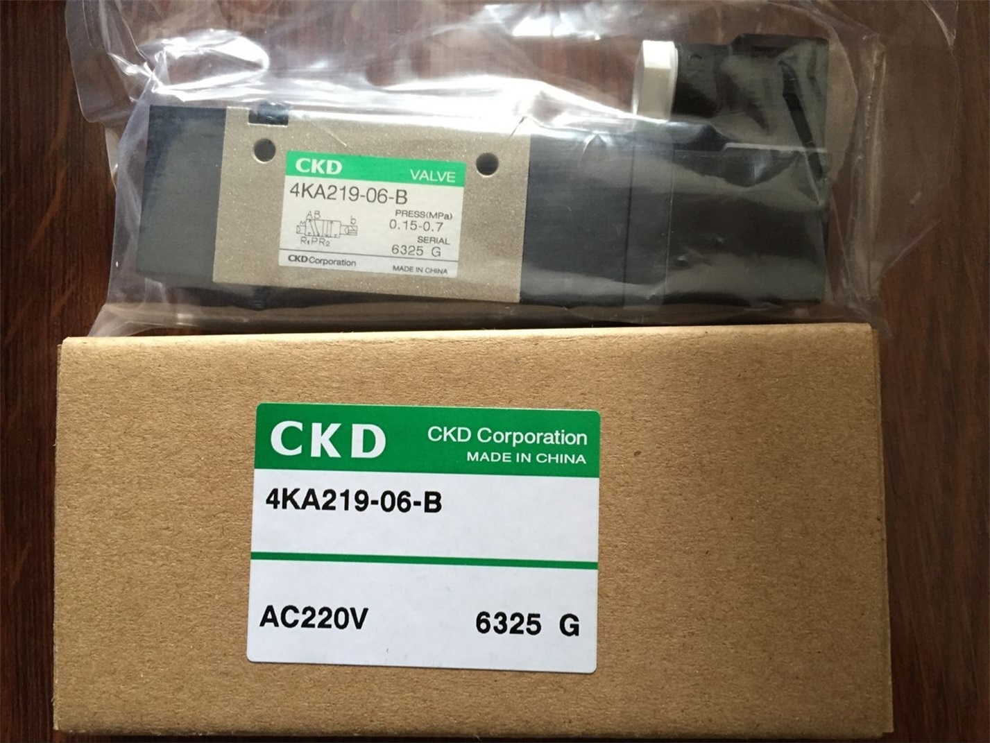 Van điện từ CKD 4KA219-06-B