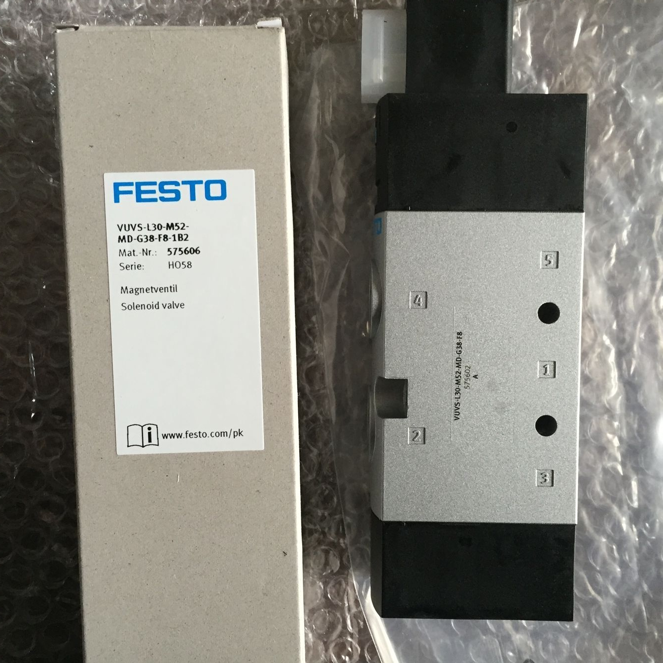 Van FESTO VUVS-L30-M52-MD-G38-F8-1B2 575606