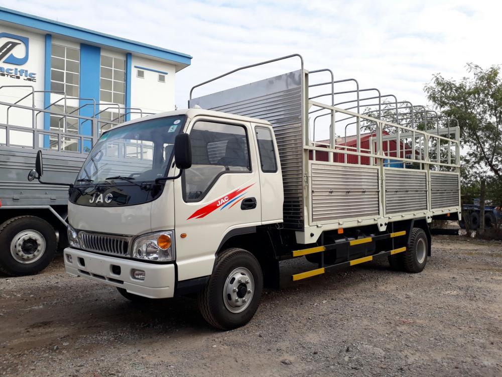 bán xe tải jac 6 tấn 4 thùng dài 6m2 trả góp .