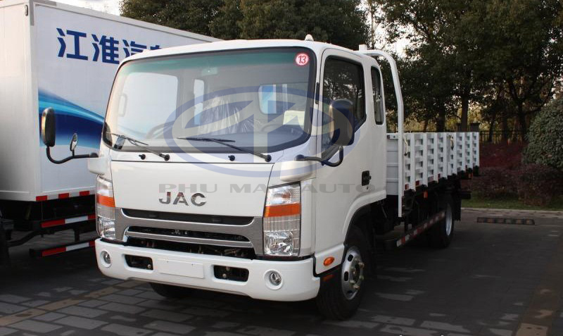 xe tải jac 1 tấn 9 cabin isuzu rộng rãi .