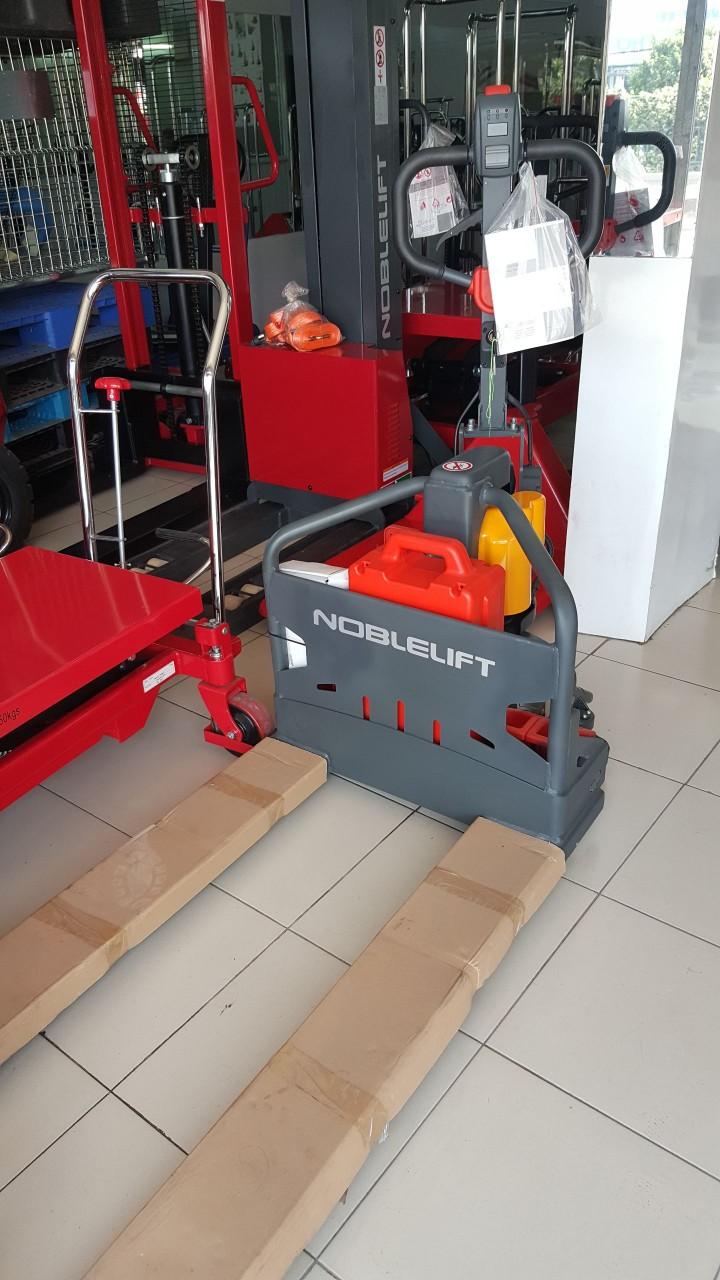 Xe nâng điện thấp Noblelift Germany 1500kg chính hãng