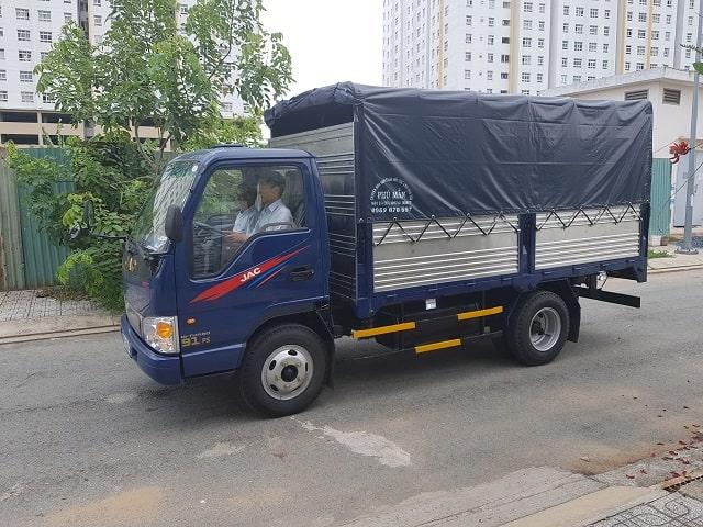 Xe tải Jac 2t4 thùng bạt máy isuzu