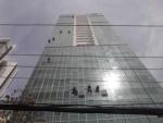 vệ sinh kính  tòa nhà cao ốc văn phòng