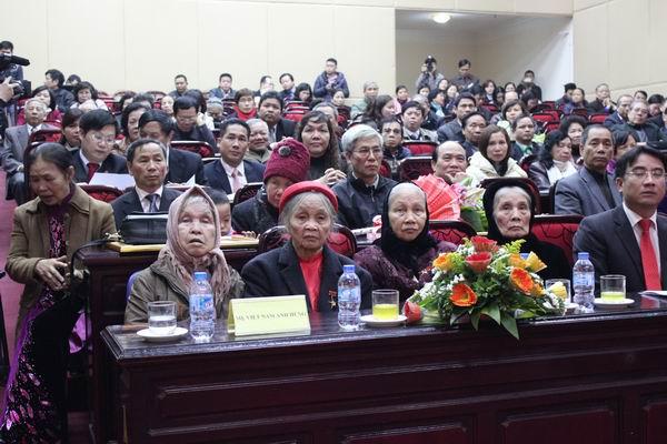 Công ty CADI-SUN phụng dưỡng các Mẹ Việt Nam Anh Hùng
