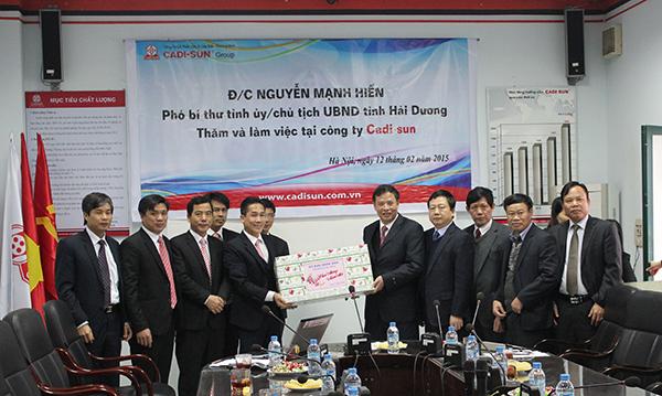 CADI-SUN vinh dự nhận cờ thi đua xuất sắc Thủ đô 2014