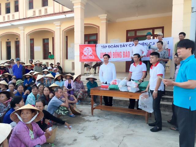 Tiếp tục các hoạt động cứu trợ người dân bị thiệt hại do lũ lụt