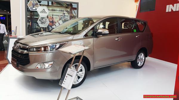 Xe Toyota Innova 2018