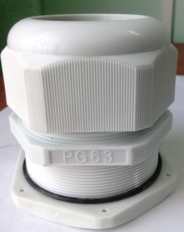 Xiết cáp nhựa PG63, có ron cao su