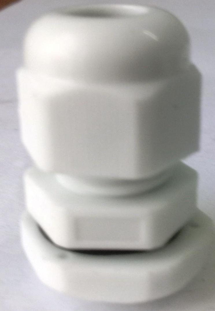 Xiết cáp nhựa PG9, có ron cao su