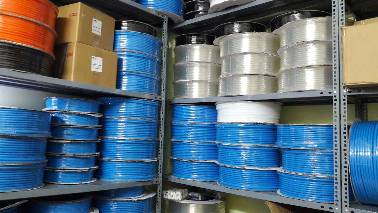 Ống khí PU màu xanh phi 5x8