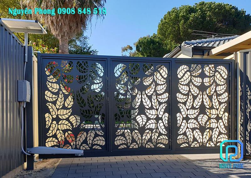 10 Mẫu cổng sắt hoa văn nghệ thuật cho nhà đẹp 2019