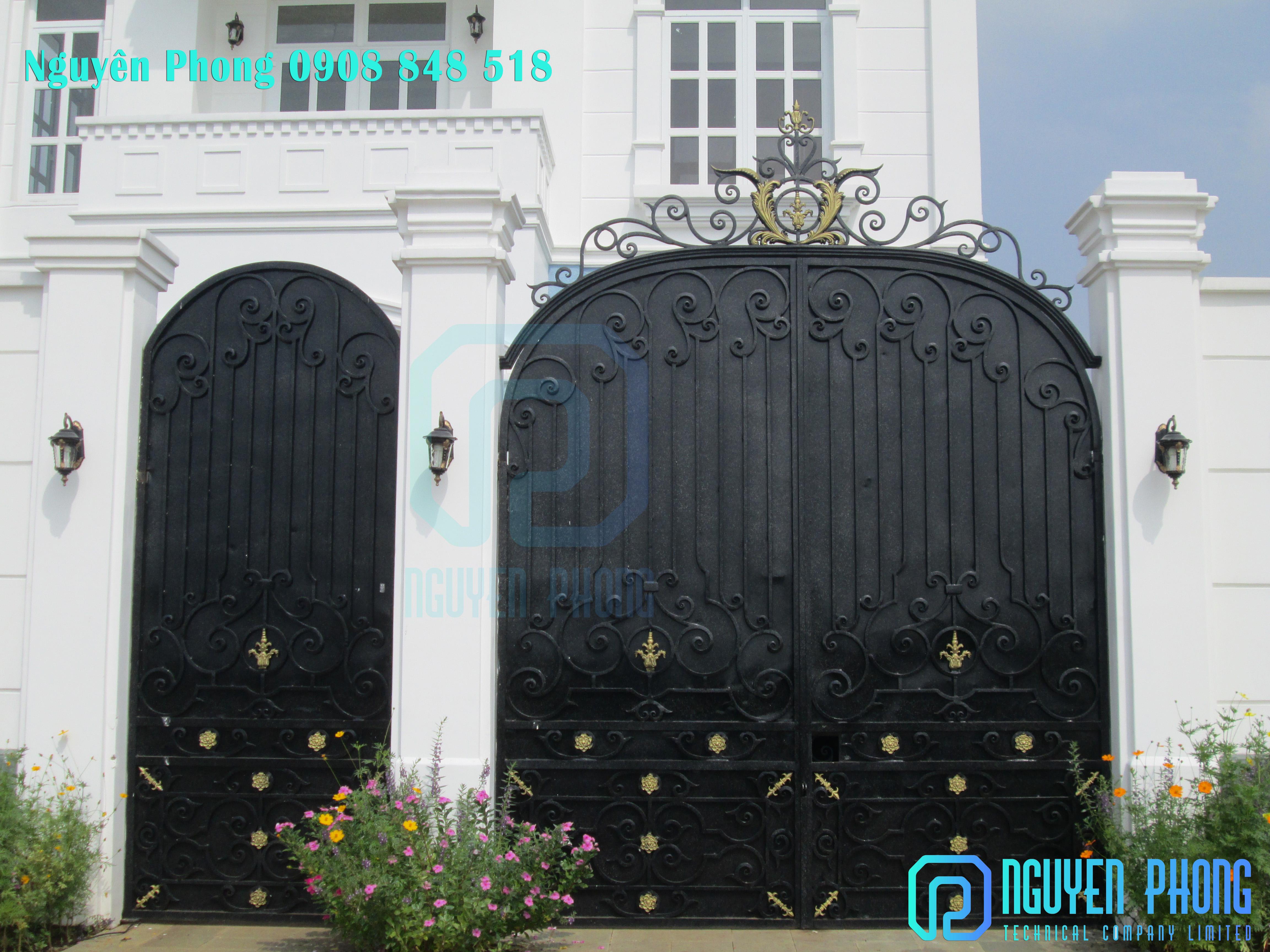 Cửa sắt, cổng sắt cắt CNC hoa văn sắt nghệ thuật cao cấp cho biệt thự, nhà phố