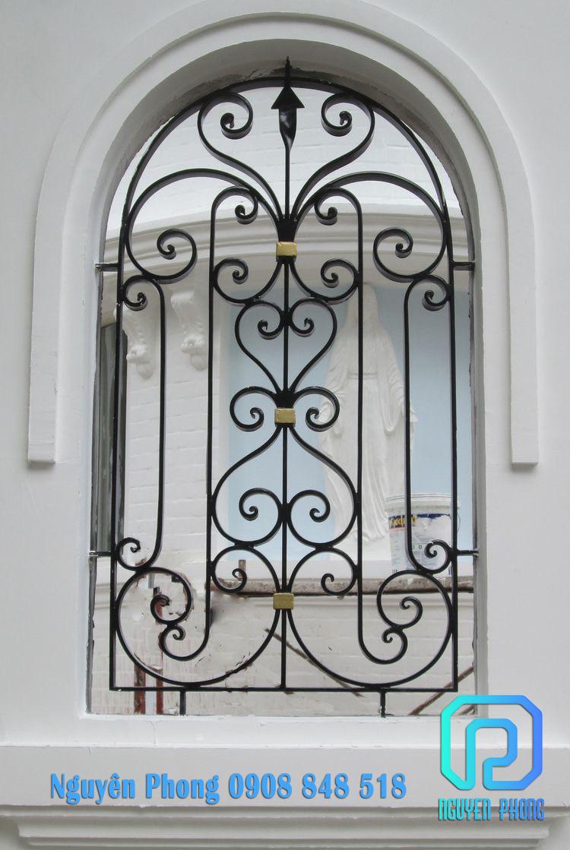 Cung cấp, thi công khung bảo vệ cửa sổ sắt nghệ thuật cao cấp, bảo hành màu sơn 2021