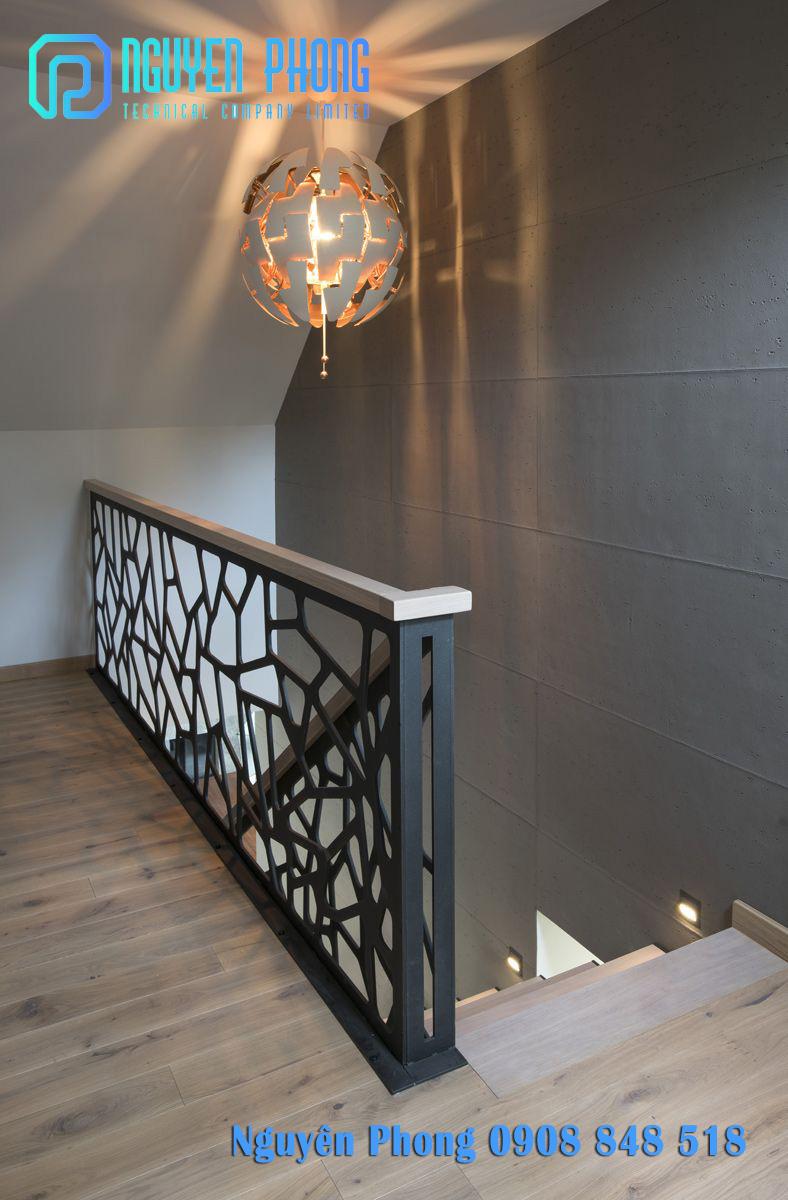 Gia công, thi công hoàn thiện lan can cầu thang sắt cắt CNC, sắt uốn mỹ thuật đẹp nhất 2020