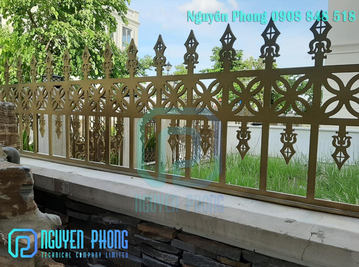 Hàng rào hoa văn sắt cắt CNC sang trọng cho resort, villa, biệt thự