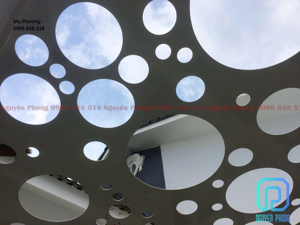 Mái đón, khung giếng trời trang trí bằng tấm sắt cắt hoa văn CNC - xu hướng kiến trúc 2020
