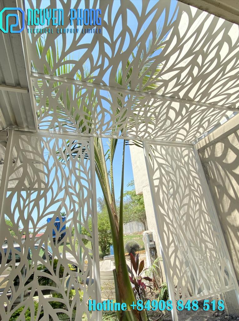 Thiết kế, gia công mái đón sắt CNC nghệ thuật hiện đại cho biệt thự, nhà phố