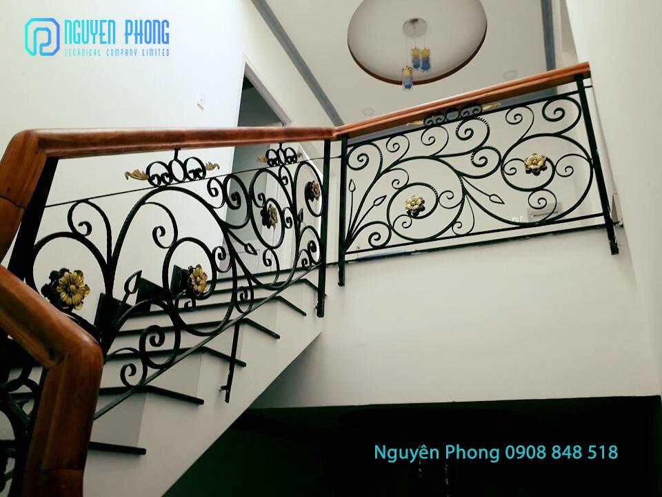 Thiết kế, gia công, thi công cầu thang sắt mỹ thuật sơn cao cấp bền màu