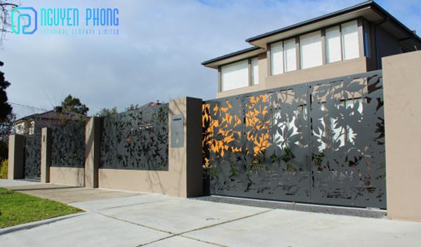 Thiết kế, gia công, thi công cửa cổng, hàng rào sắt CNC sắt uốn mỹ thuật