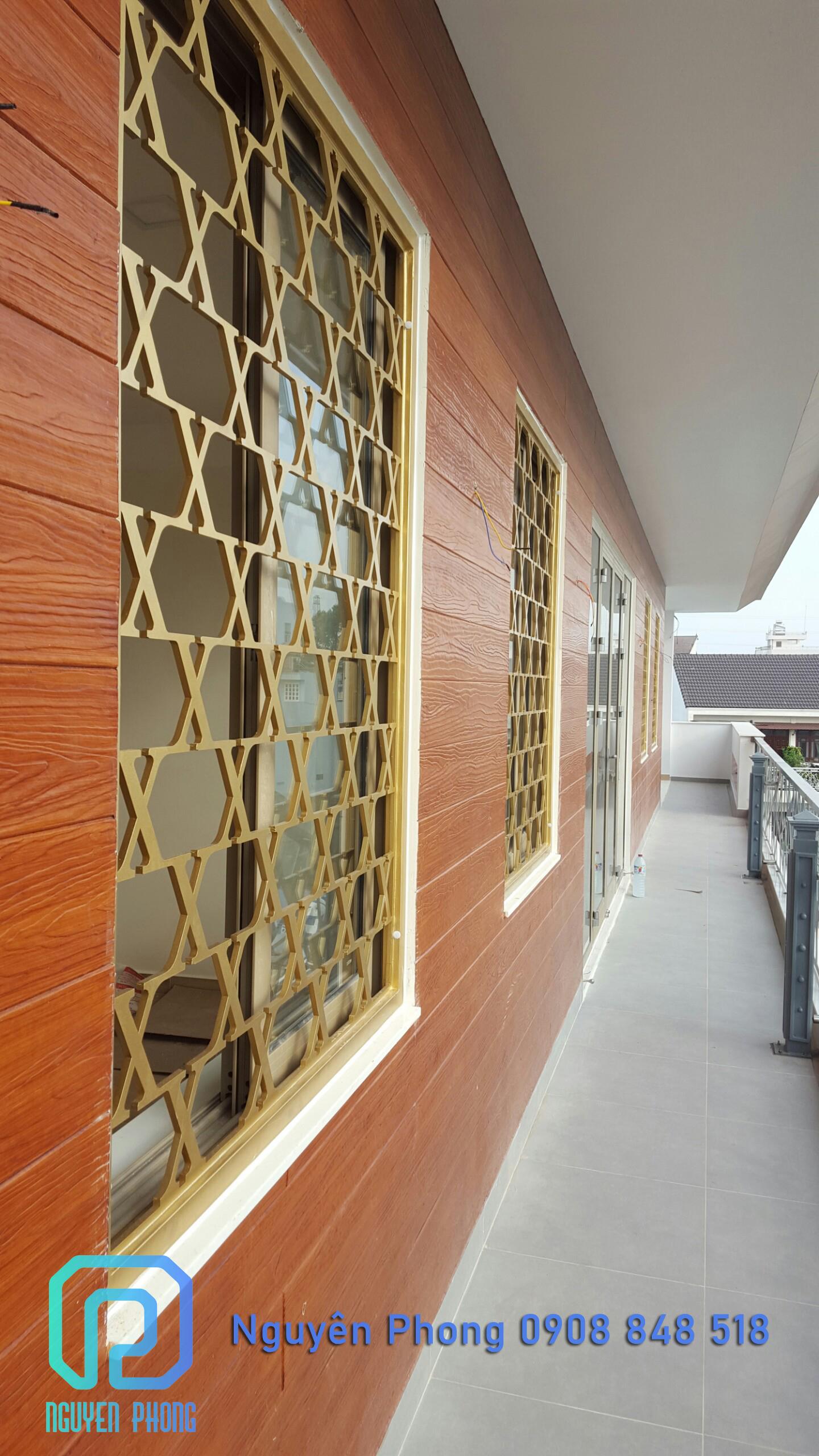 Thiết kế, gia công, thi công khung cửa sổ sắt uốn mỹ thuật chính xác theo kích thước thực tế