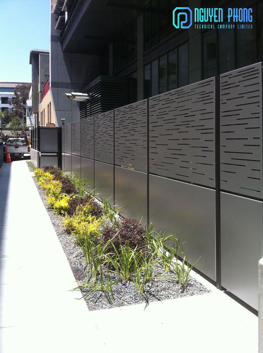Thiết kế, gia công, thi công khung hàng rào sắt mỹ thuật đẹp nhất cho biệt thự, nhà phố