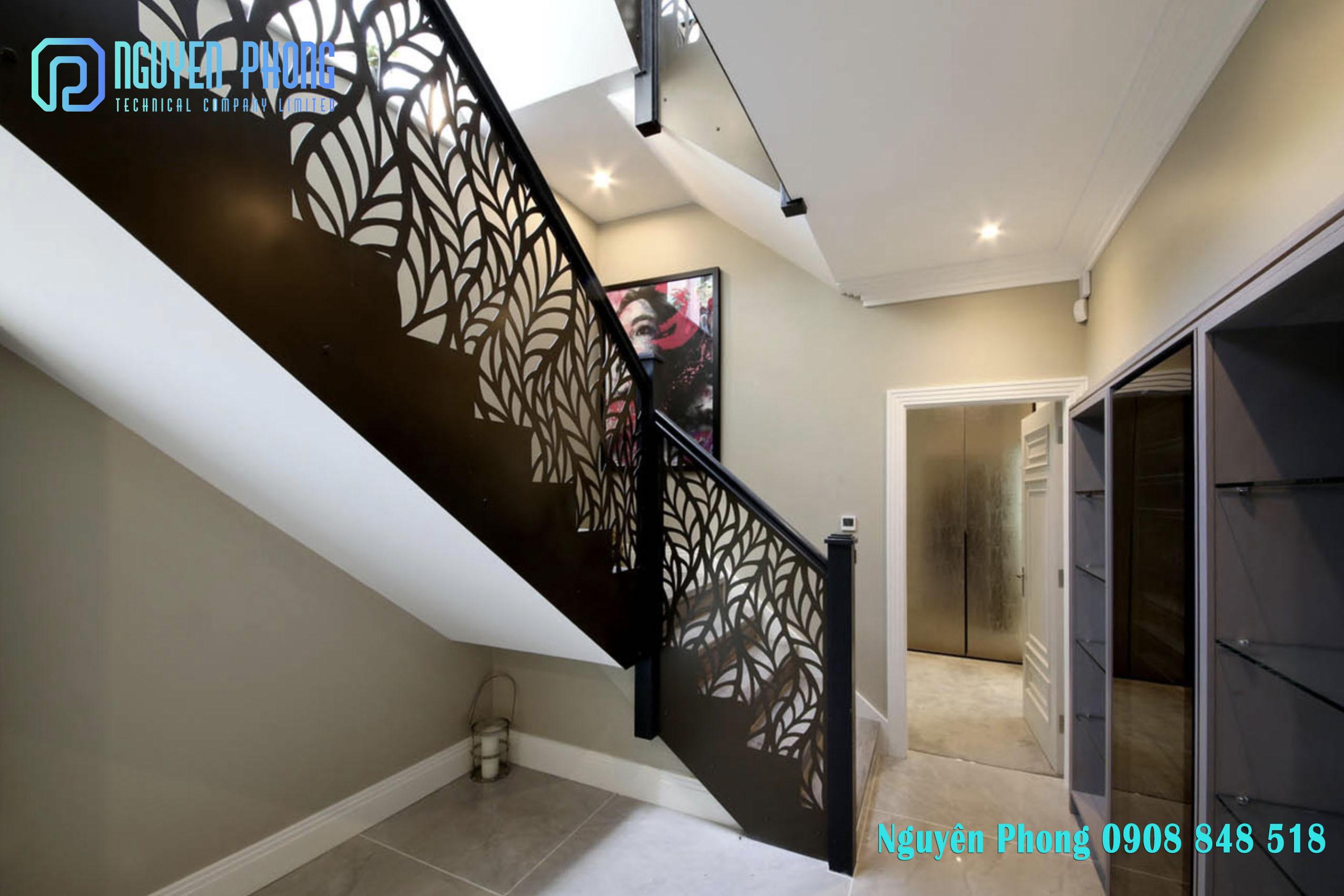 Thiết kế, thi công hoàn thiện cầu thang sắt cắt CNC hoa văn theo yêu cầu HCM, Bình Dương, Bình Phước