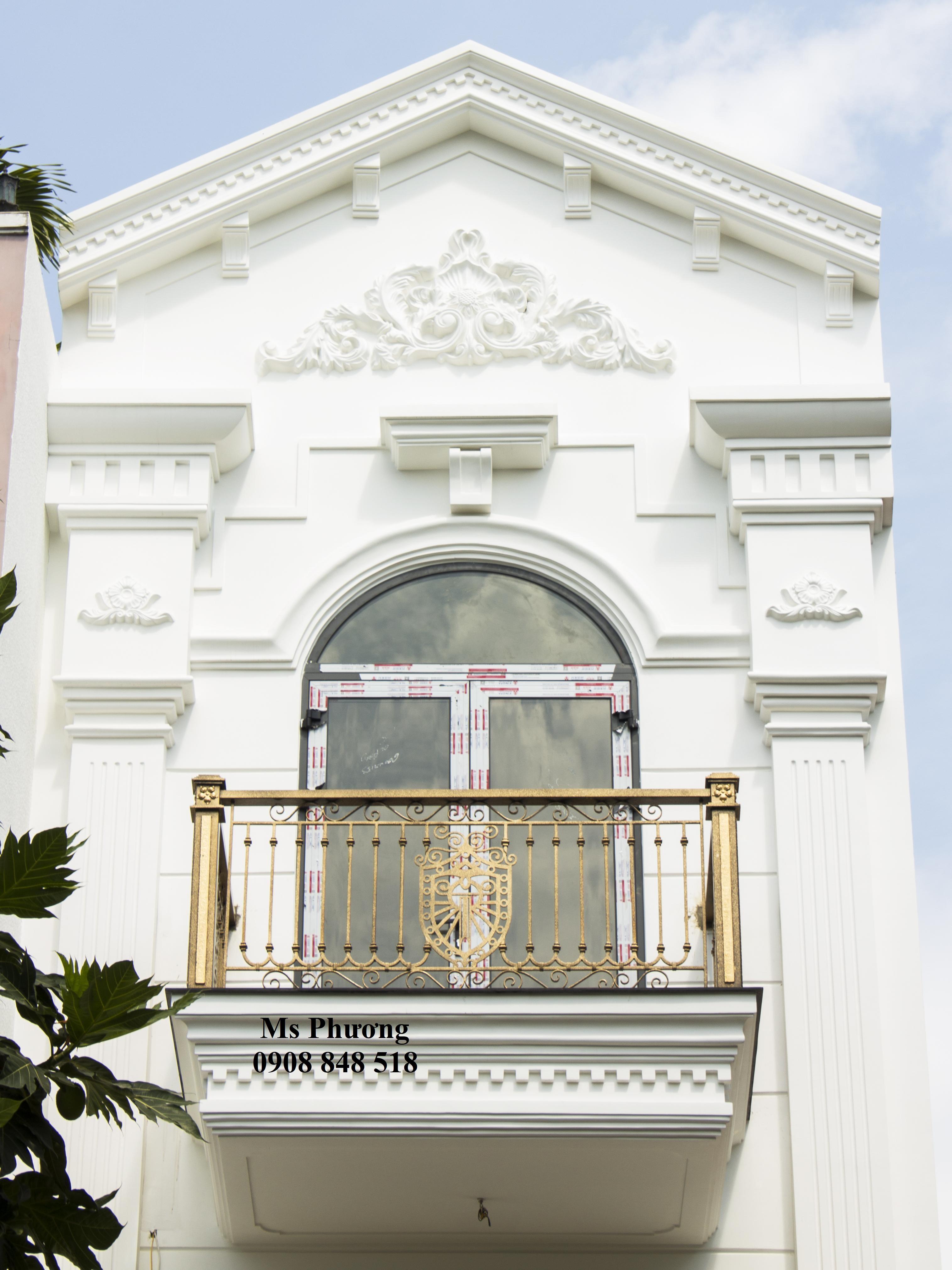 Tổng hợp mẫu lan can ban công sắt uốn cổ điển cho biệt thự, nhà phố đẹp nhất - kiến trúc 2020