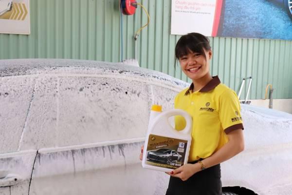 Hóa chất rửa ô tô không chạm