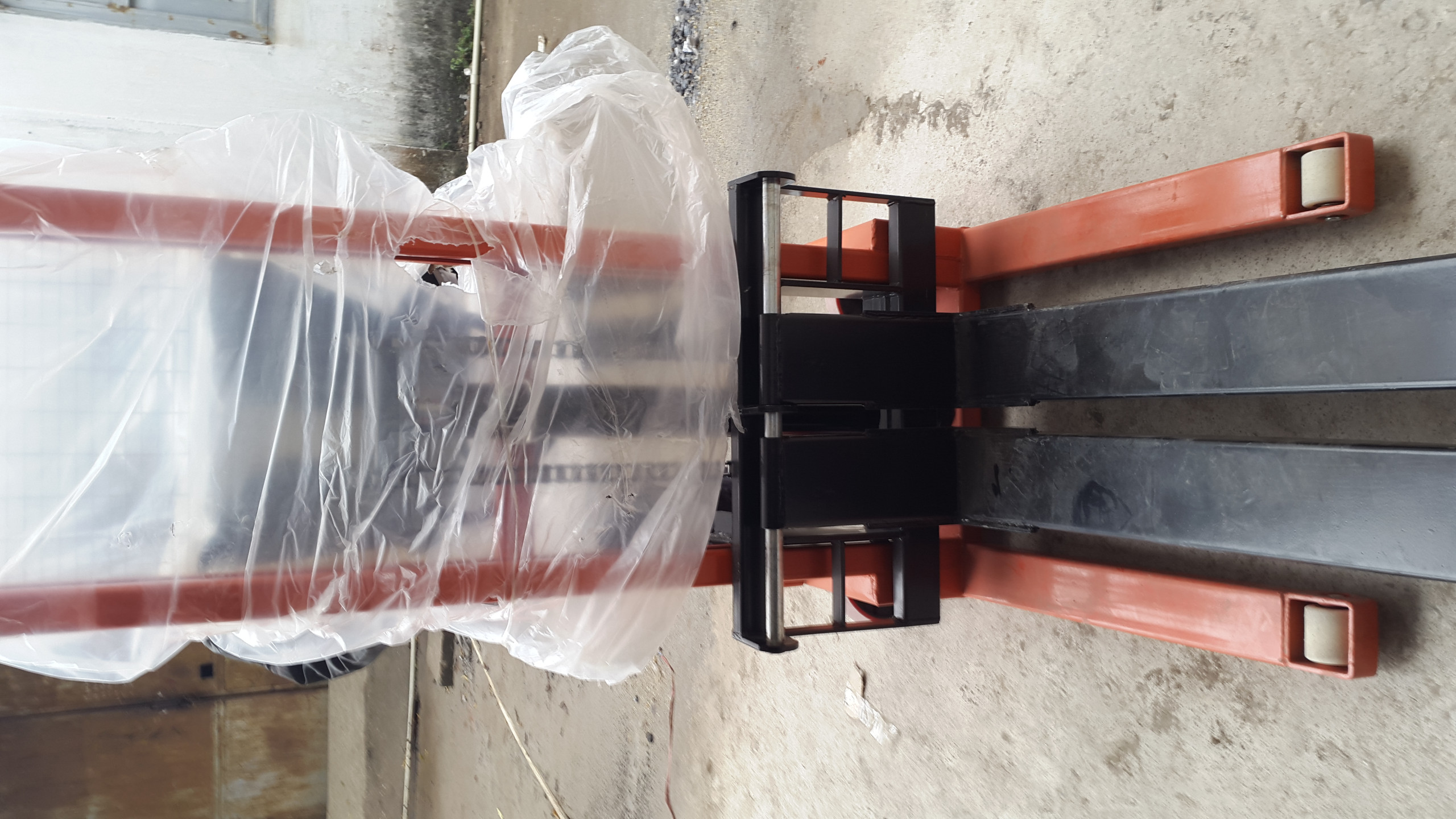 Xe nâng tay cao 1 tấn đến 3 tấn chính hãng giá tốt LH 0988 081 327