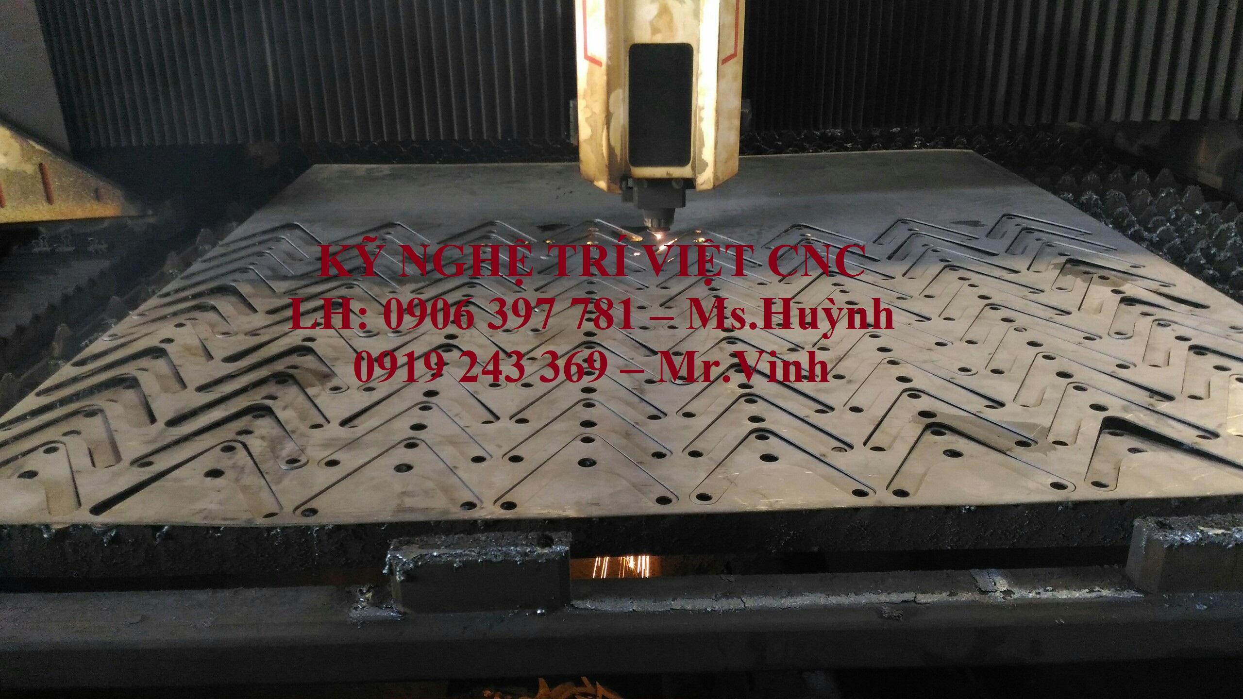 Gia công CNC Laser sắt, inox: chi tiết máy, hoa văn trang trí, chữ quảng cáo,…