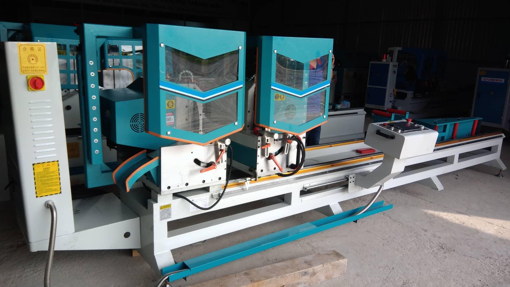 Máy cắt nhôm 2 đầu CNC 2020 cao cấp