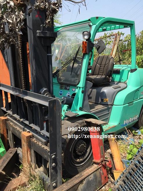 xe nâng dầu 4 tấn mitsubishi hcm