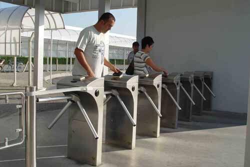 Cửa xoay 3 càng CPW-400BF - VietnamSmart