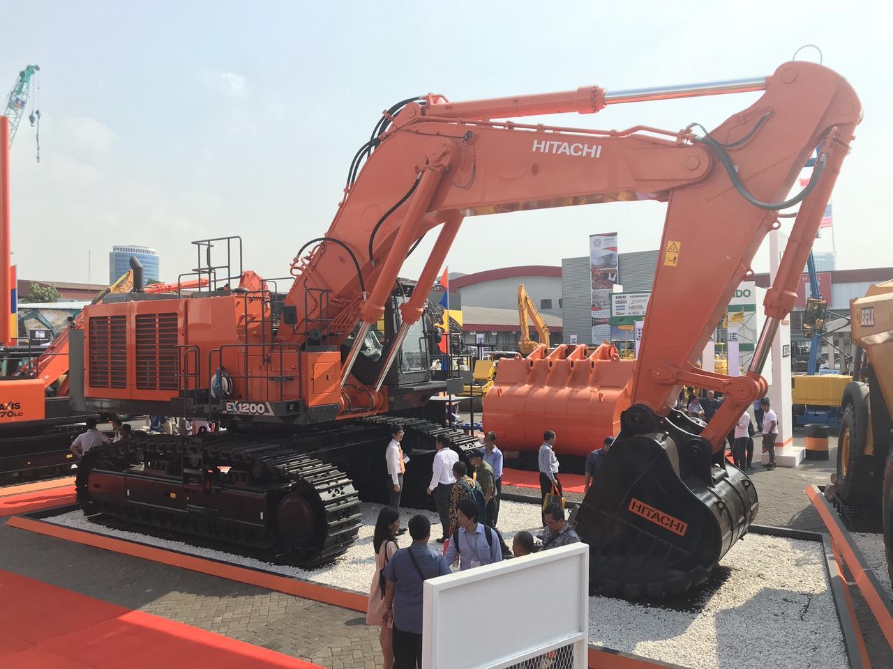 Máy đào Hitachi EX1200-6