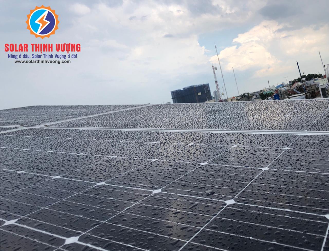 Sử dụng điện mặt trời bảo hành lâu dài