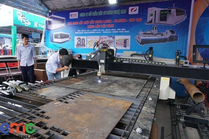 Máy cắt ống CNC Gas/Plasma EMC-1560