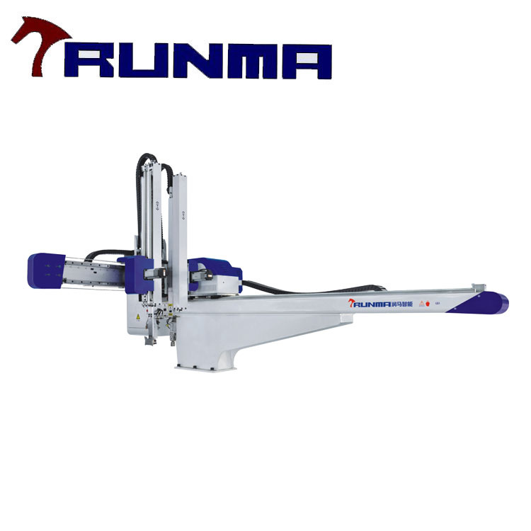 Picker Robot for Injection Molding Machine