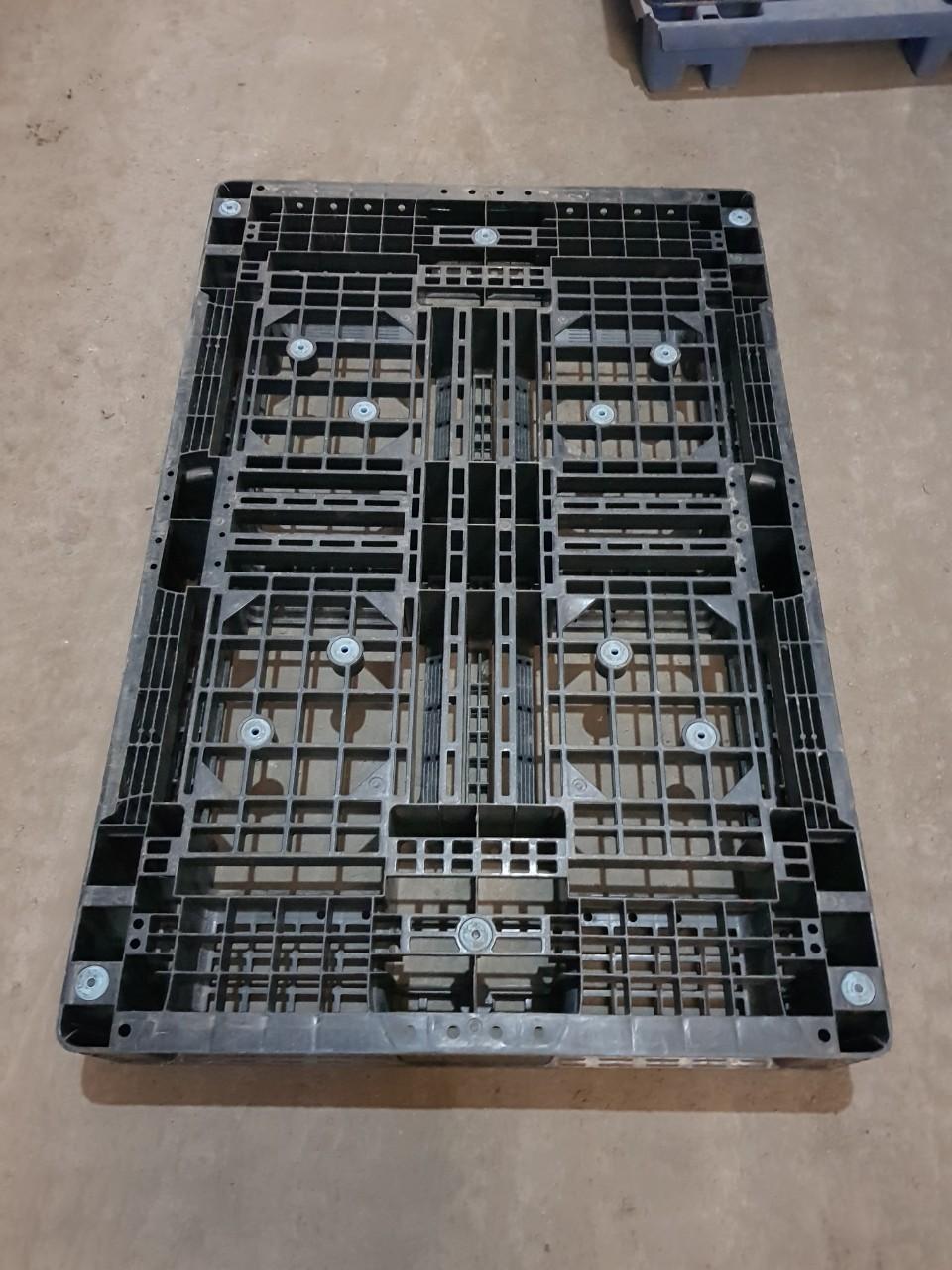 Pallet nhựa ( Pallet nhựa cũ, Pallet nhựa mới ) giá rẻ tại Đà Nẵng, Quảng Nam