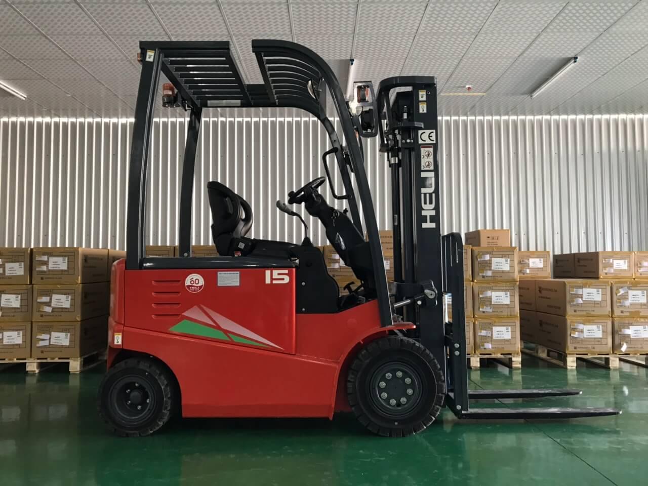 Xe nâng điện 1.5 tấn Heli ngồi lái CPD15