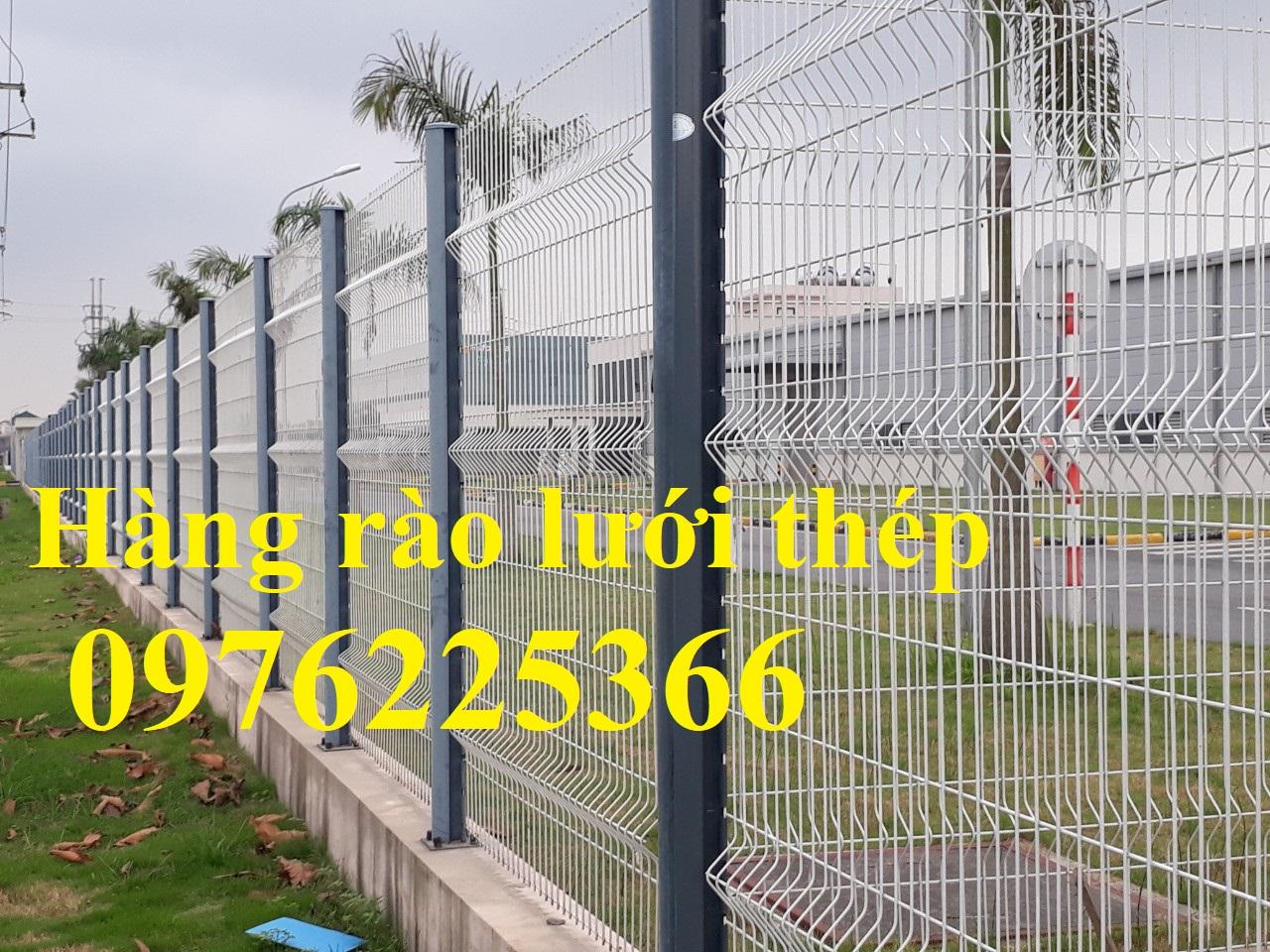 Sản xuất hàng rào lưới thép D4 a50x200 chấn sóng