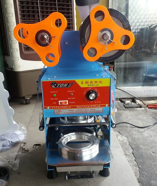Máy dán miệng cốc trà sữa bán tự động ET-A9