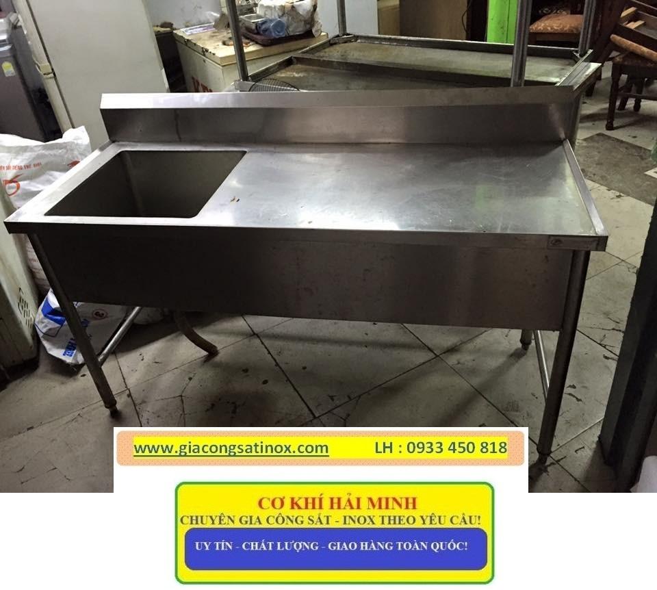 Bàn inox có hộc rửa tiện lợi  cho công việc làm bếp cảu bạn