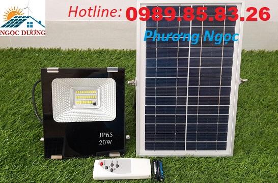 Đèn LED pha năng lượng mặt trời 20W, đèn chiếu sáng năng lượng mặt trời