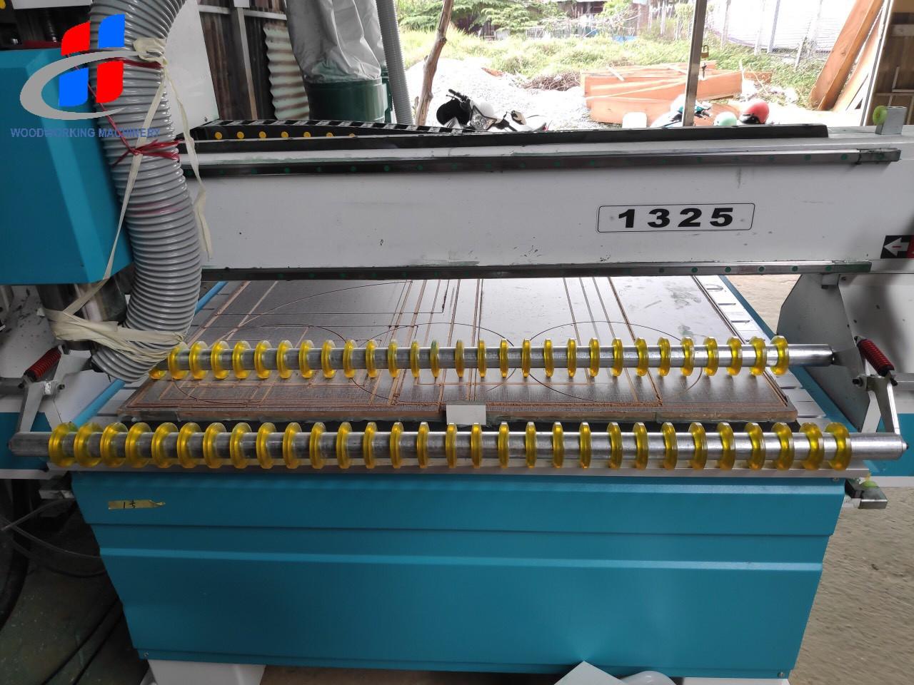 Máy CNC bàn nhôm 1325, máy CNC cho ngành gỗ