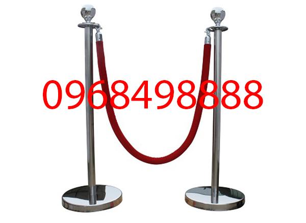 Điểm khác nhau giữa cột chắn inox dây căng và dây trùng