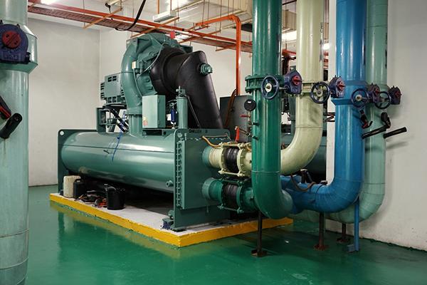 Máy làm lạnh nước công nghiệp cho ngành hóa chất