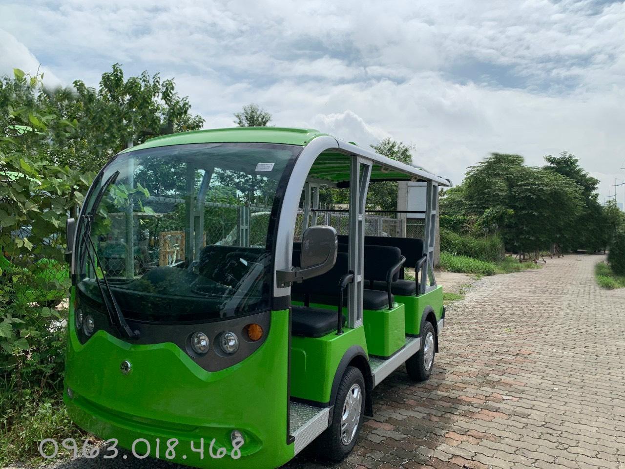 Xe ô tô điện 8 chỗ ngồi